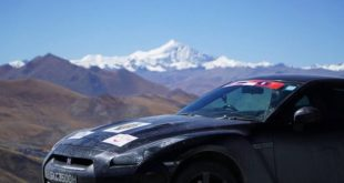 nissan-gt-r-campamento-base-everest-1