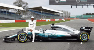mercedes-w08-lateral