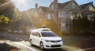 Google-Waymo-Chrysler-Pacifica-aut25C325B3noma-830x460
