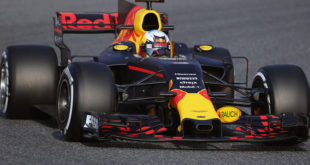 red-bull-rb13-frontal-test